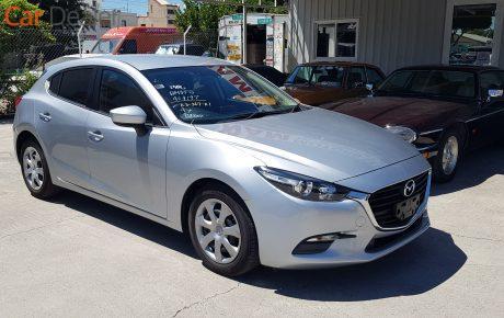 Mazda 3  '2017
